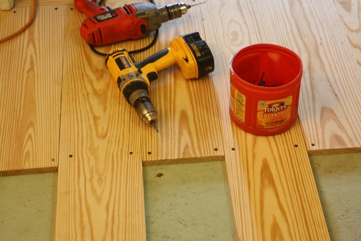 cara_pemasangan_lantai_kayu